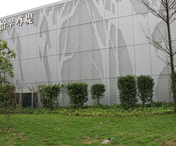 Станок для штамповки элементов фасадов